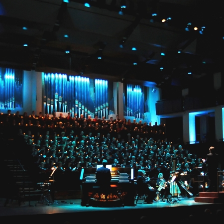 Washington Chorus Candlelight service at The Kennedy Center